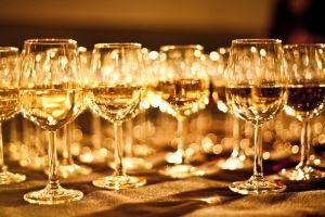 1245600_exclusive_wine_glasses.jpg