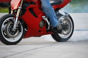 1301096_motorcycle_stunter_tyre_burnout_.jpg