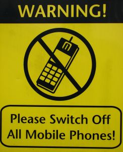 781984_switch_off_mobile_phones.jpg